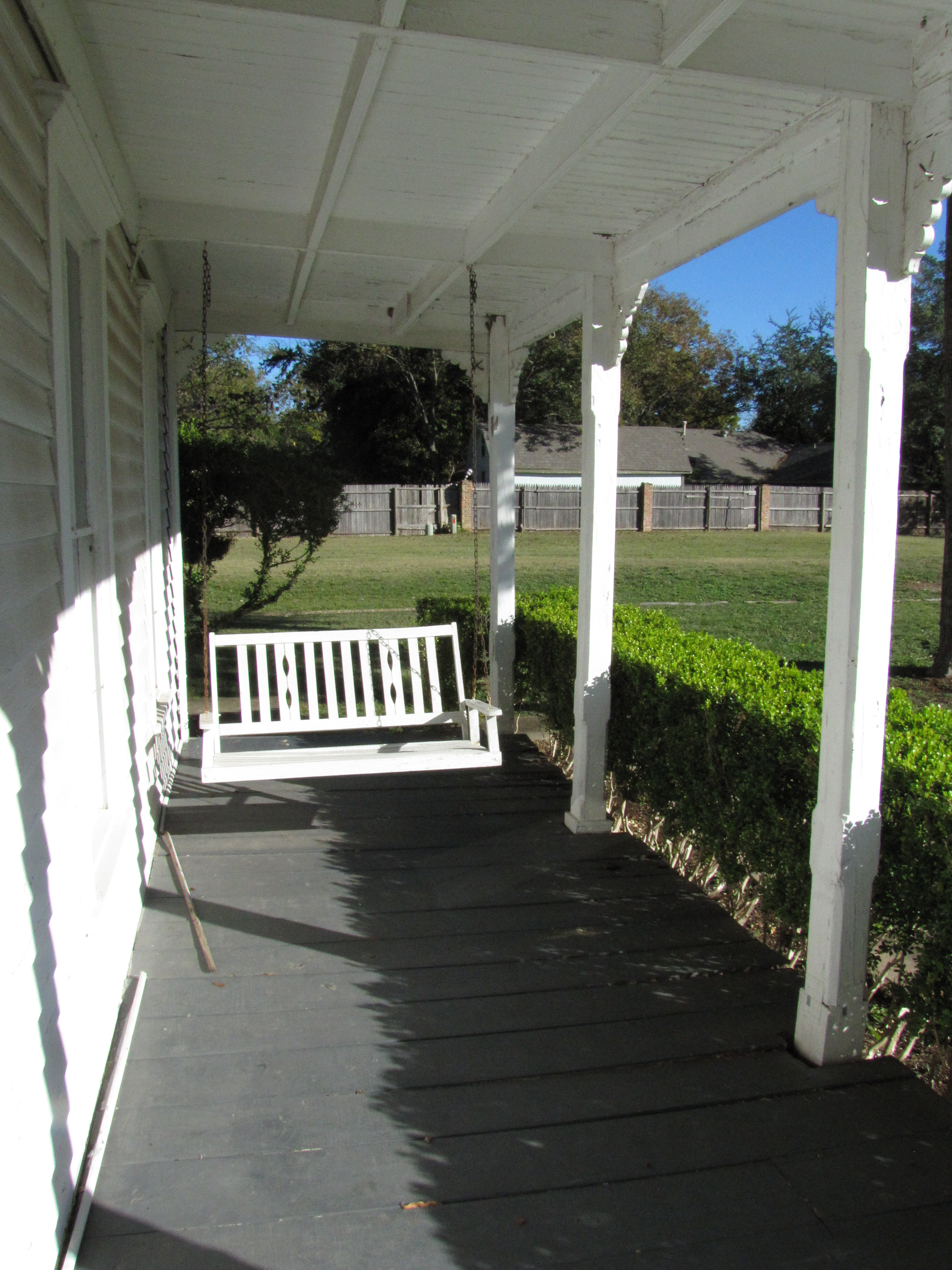 Downstairs Front Porch, Columns, Porch Swing, Faci